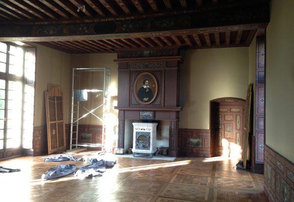 Restauration de la cheminée – Château des Grotteaux